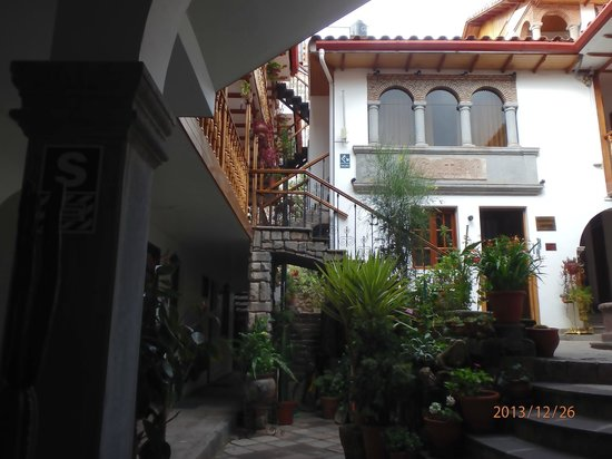 Hotel Rumi Punku : courtyard