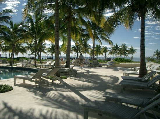 Hacienda Tres Rios : View toward ocean from pool area