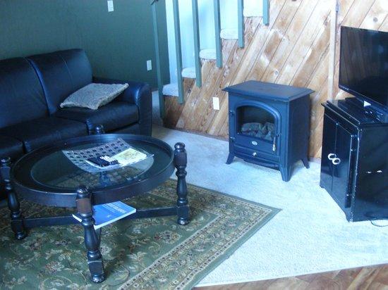 Robin Hood Village: Living room