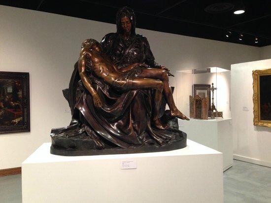 Museum of Biblical Art: Michelangelo's bronze Pieta