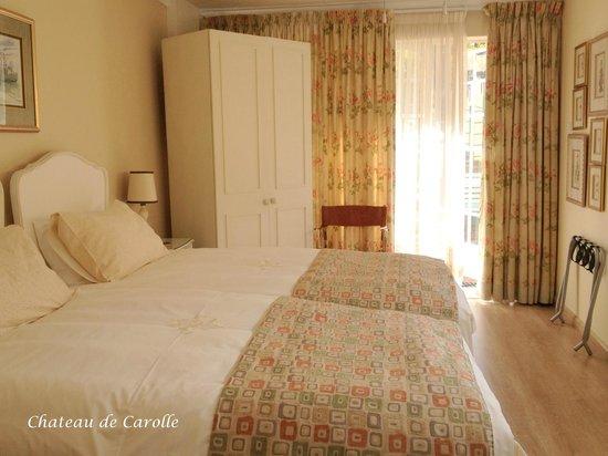 Chateau de Carolle: Double Cottage Bedroom