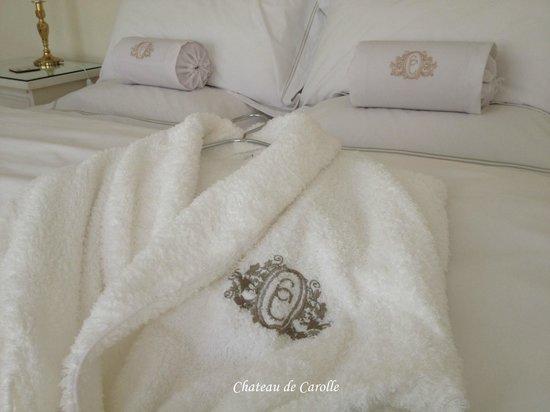 Chateau de Carolle: Linen & dressing gowns