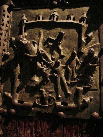 Basilica di San Zeno Maggiore: Дверь.