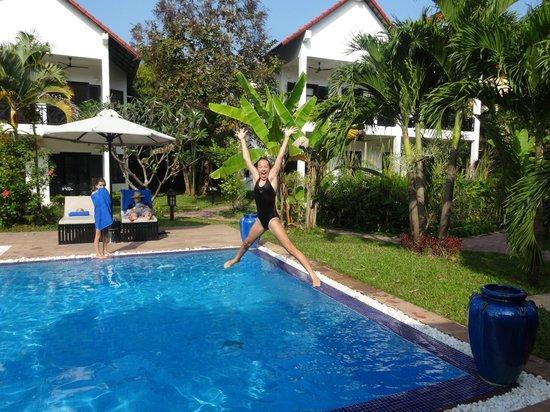 Unique Boutique Cambodia: Pool fun