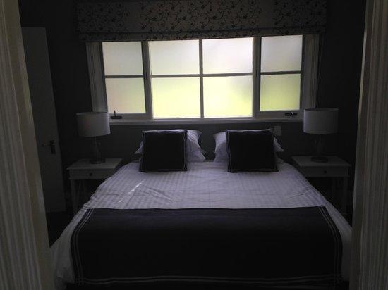 Oak Tree Lodge Luxury B&B: bedroom area of the Oak Leaf room