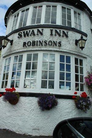 The Swan Inn: The lovely outside of the Inn