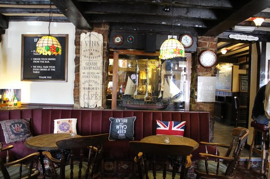 The Swan Inn: Inside the comfy Inn
