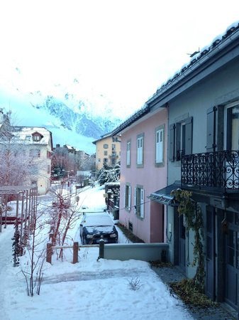 Hotel Le Faucigny: View of Mont Blanc from our room