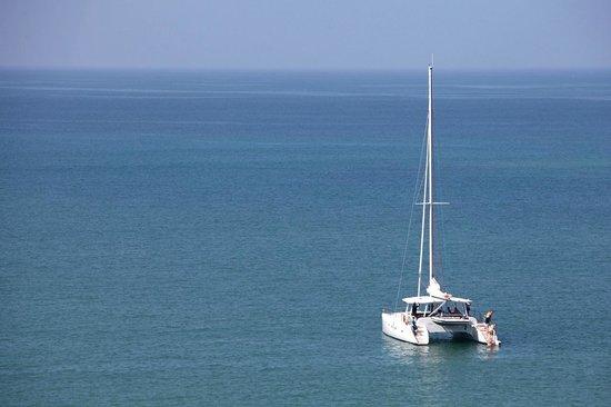 Sail Lanka Charter: Mooring in Weligama bay