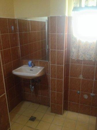 Loreland Farm Resort: Superior Bathroom