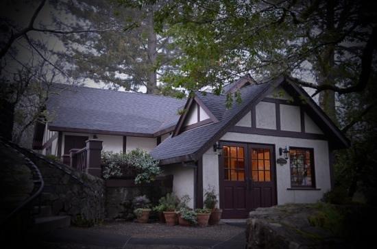 Benbow Historic Inn: Lodging at the Brnbow Historic Inn