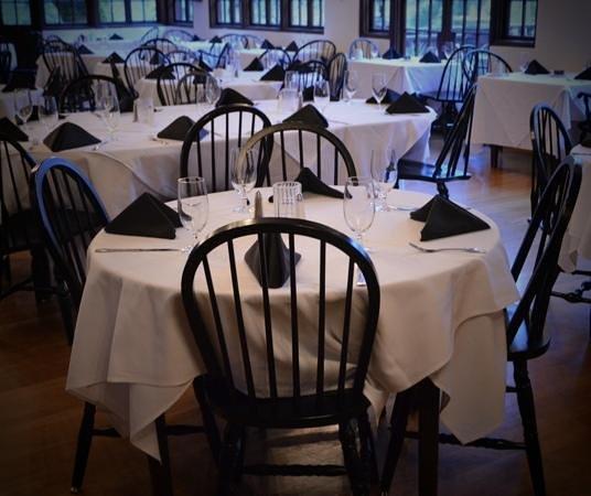Benbow Historic Inn: Dinning room
