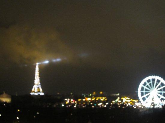 Hotel Brighton - Esprit de France: 部屋からの眺めエッフェル塔