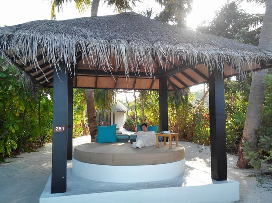The Sun Siyam Iru Fushi Maldives : The pavilion of beach villa