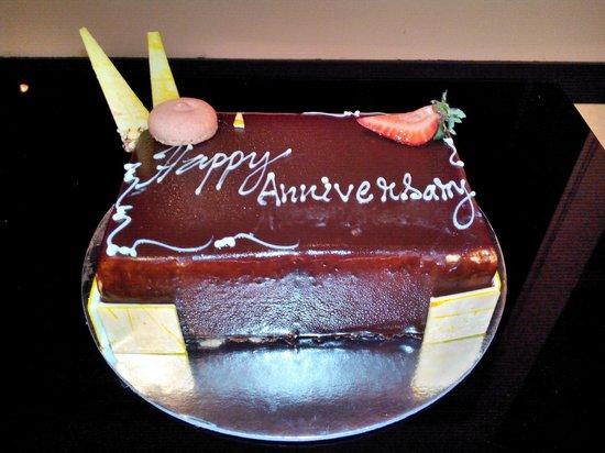 The Sun Siyam Iru Fushi Maldives: Cake from Iru