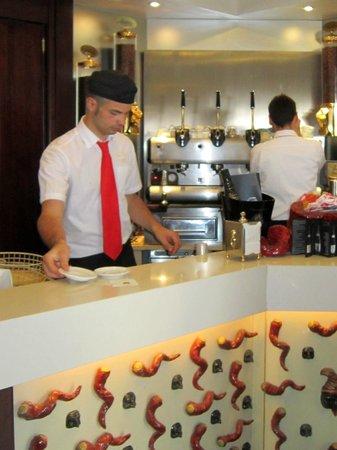 Hotel Meuble Santa Chiara Suite: Ristorazione