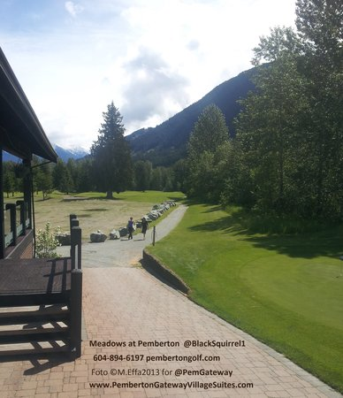 Pemberton Gateway Village Suites Hotel: Local Pemberton Meadows golf 3