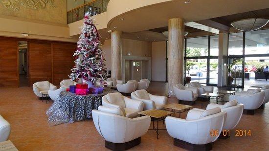 Nouvata : lobby met de kerstversiering