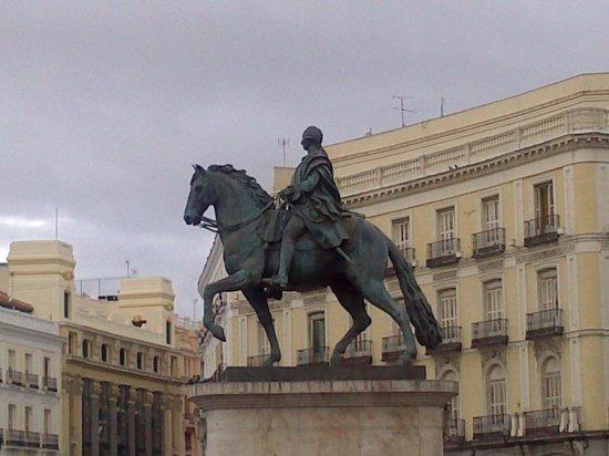 Estatua ecuestre de Carlos III Madrid