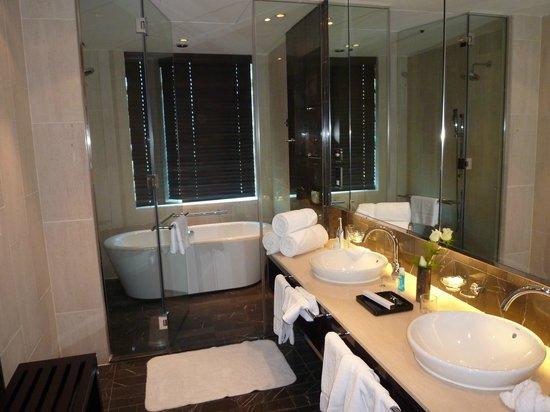 InterContinental Dubai Festival City Bathroom With Wet Room Monsoon Shower Bath