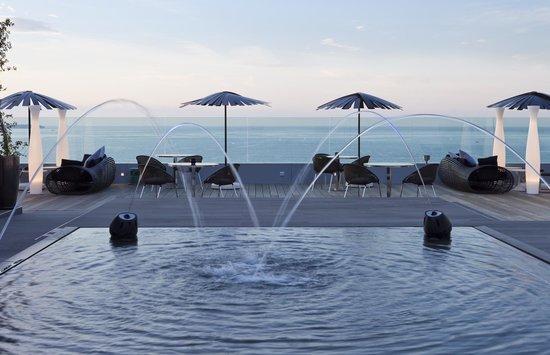 Radisson Blu 1835 Hotel & Thalasso: Terrasse