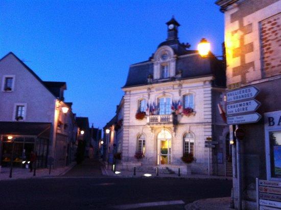 La Ferme d'O: Für Frühst-Aufsteher: Ortskern Pontelevoy: Boulangerie mit Café neben der Mairie