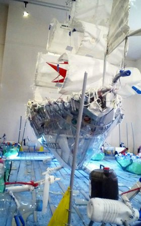 Musée du Nouveau Monde : The Exploration Display on top level made from recyclable material.