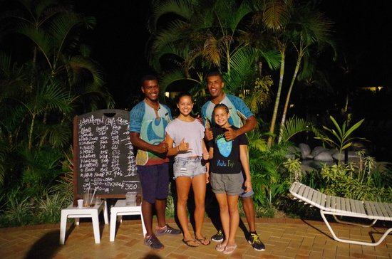 Outrigger Fiji Beach Resort : Crab races anyone?