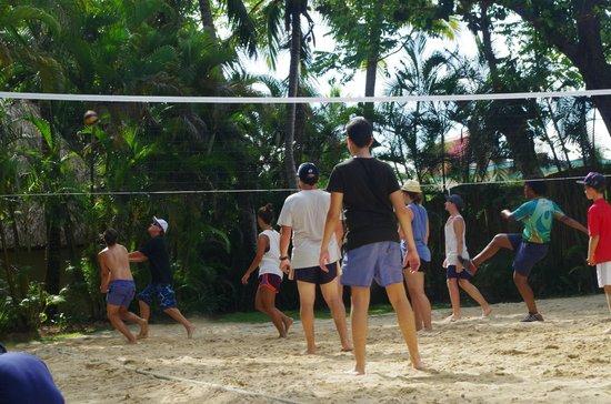 "Outrigger Fiji Beach Resort: ""Mine!"""