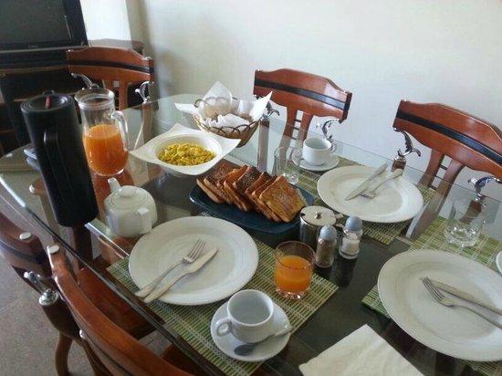 GT Guest House & Apartments: Café da manhã completo