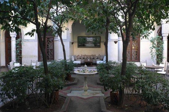 La Villa des Orangers - Hôtel : Patio interior