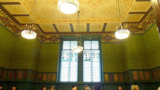 Cafe @ V&A Museum: V&A Cafe decor