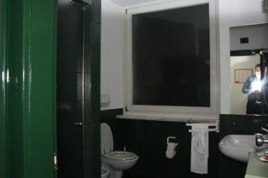 Hotel Buonconsiglio: ...e che bagno! :)