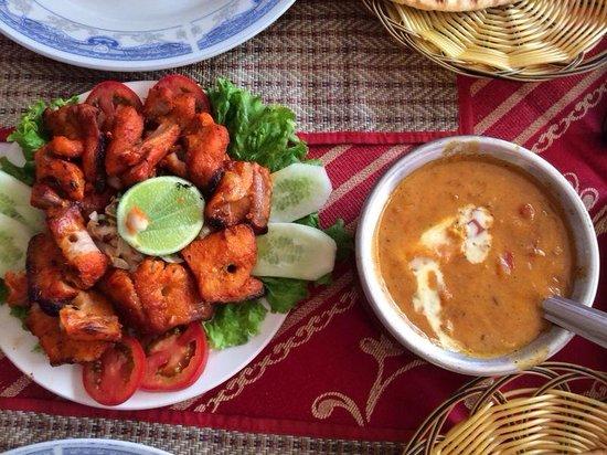 Omar's Tandoori cafe : Карри курица и рыба в остром соусе! Вкусно!!!