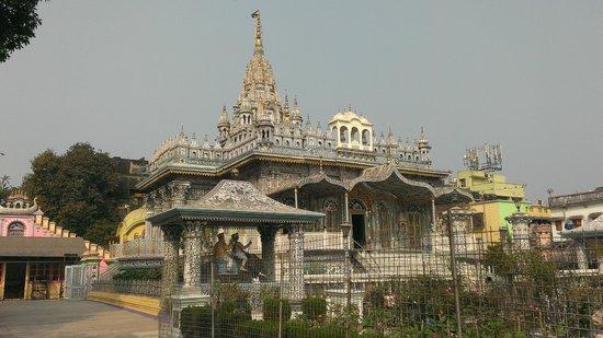 Pareshnath Jain Temple: 角度を変えて。
