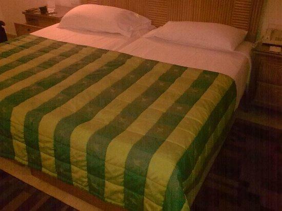 Maritim Jolie Ville Resort & Casino Sharm El-Sheikh: Big bed