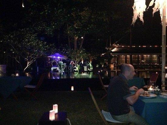 Buri Rasa Village Samui: Ужин у бассейна