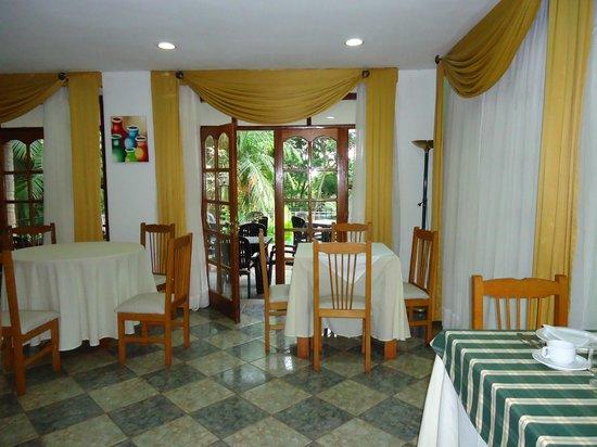 Cabanas Del Lenador Hotel: muy acogedor, iluminado, fresco y con unas vistas hermosas