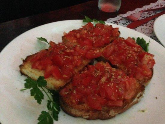 Gianni's: Tomato bruschetta