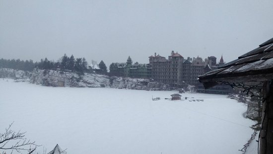 Mohonk Mountain House: Snowy view from the rink