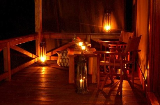 Mara West Camp: Night time at the Secluded Chalet