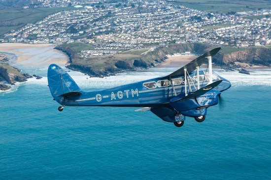 Classic Air Force: Pleasure Flying in the Rapide over Newquay bay