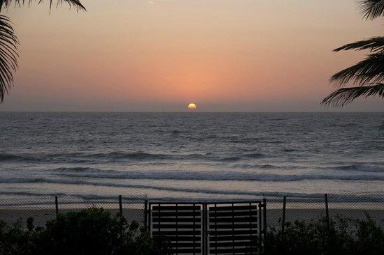 The Beach House : Sunset