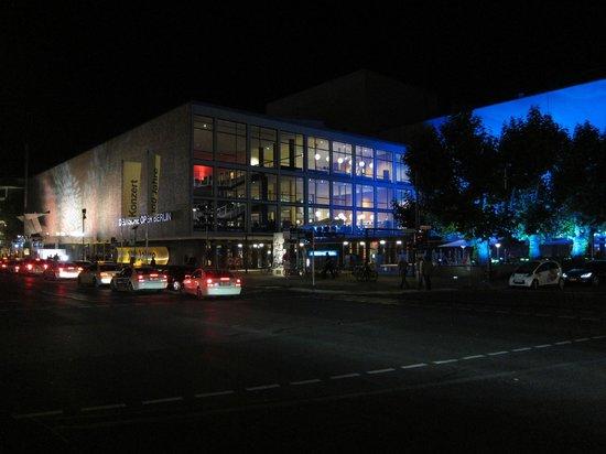 Deutsche Oper Berlin: Festbeleuchtung