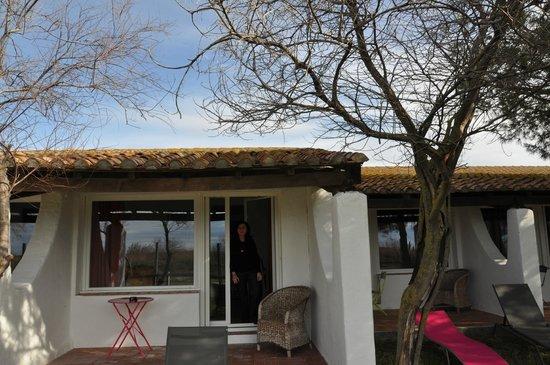 La Palunette : La petite terrasse devant la chambre