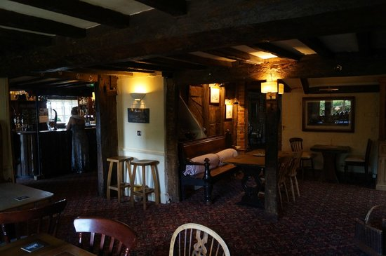 The Clanfield Tavern: Lounge area 2