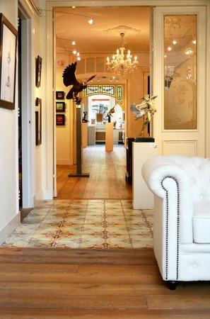 Interieur Galerie Hoge Gouwe - Foto van Galerie Honingen, Gouda ...