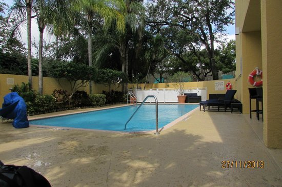 Hampton By Hilton Miami-Coconut Grove/Coral Gables: Piscina