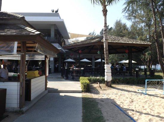 Grand West Sands Resort & Villas Phuket: Sunset Breeze Restaurant