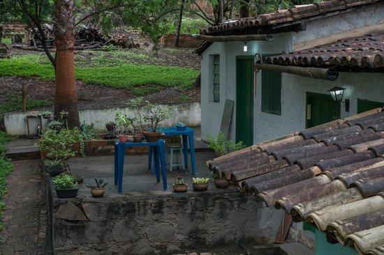 Pousada Casa Da Geleia: De buren op het terrein.